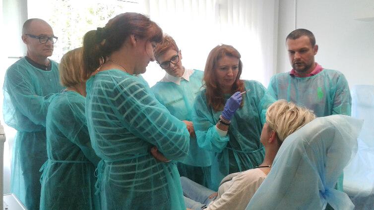 Kwas hialuronowy, toksyna botulinowa i peelingi - szkolenie Podstawy medycyny estetycznej 16 kwietnia w OLLIE