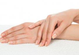 Na ratunek dłoniom – peelingi, wolumetria, hydroksyapatyt, laseroterapia