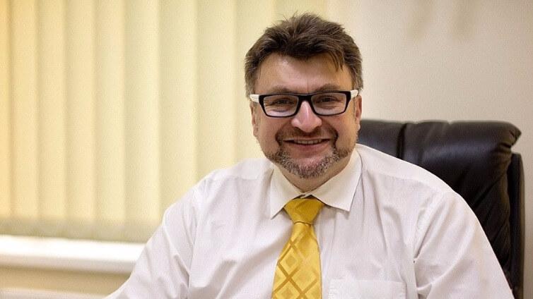 Od marzeń do spełnienia - wywiad OLLIE z Dr Krzysztofem Kwelą: Dr Krzysztof Kwela